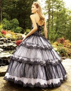 Beautiful Gothic Dress #dresses, #fashion, #gorgeousdresses, #pinsland,