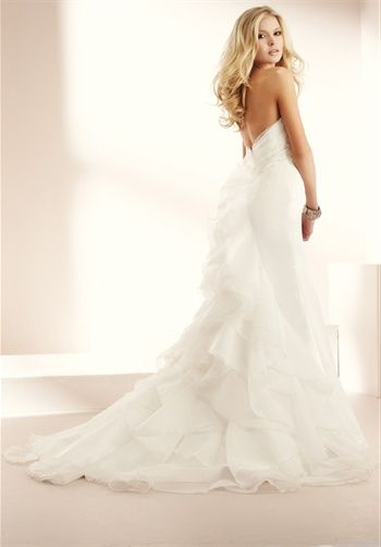 oh wow...so pretty! love the back!