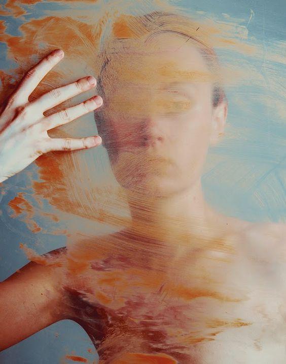 Flora Borsi kreiert unscharfe Fotografien mit malerischen Mitteln | Art Armada