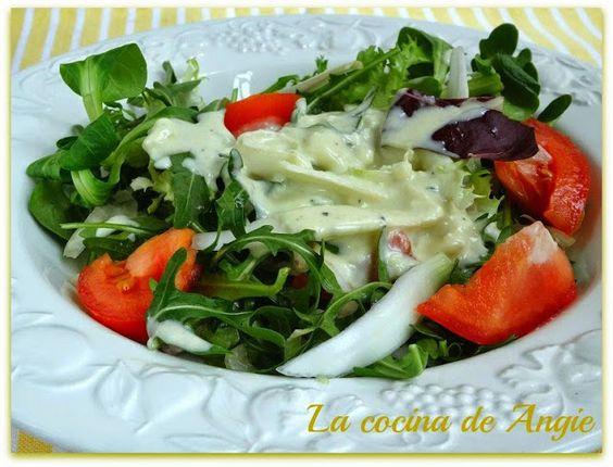 La cocina de Angie: ENSALADA CON SALSA DE QUESO AZUL