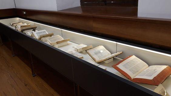 Exposición Las llaves del conocimiento : gramáticas y diccionarios de las lenguas antiguas
