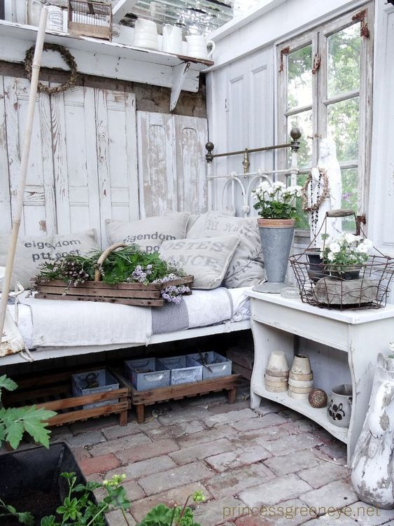 This Rustic decor is perfect inspiration for my Shabby Chic She Shed.