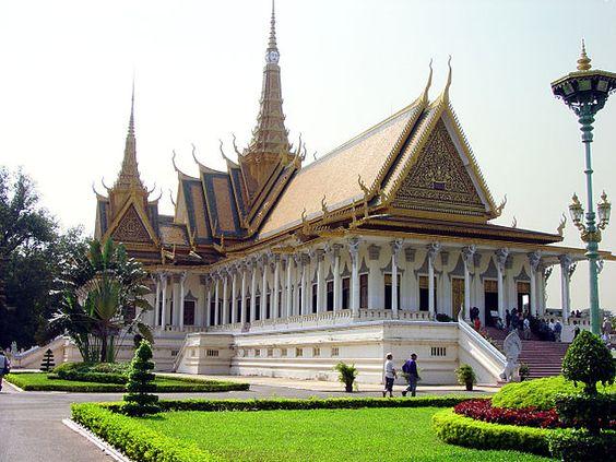 Trải qua nhiều giai đoạn cung điện hoàng gia Campuchia có diện mạo như hôm nay