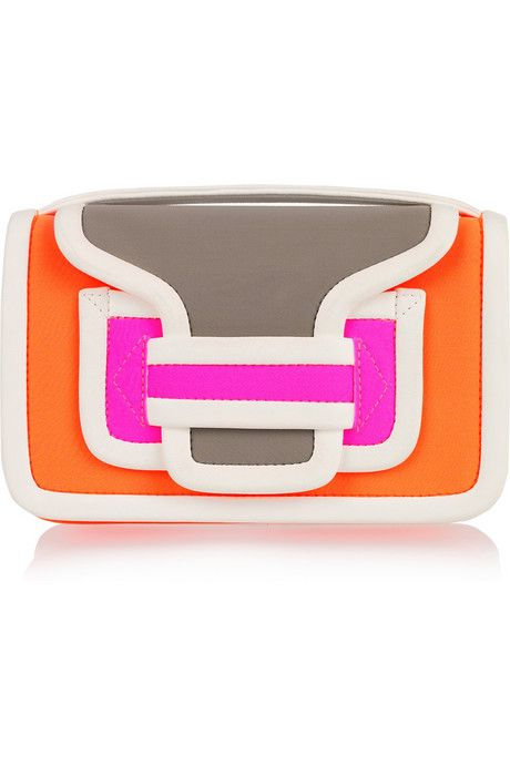 Playful, punchy and ever-so-slightly '60s – we've got a major style crush on #PierreHardy color-block carryalls. #NYFW http://bit.ly/z9EC3d