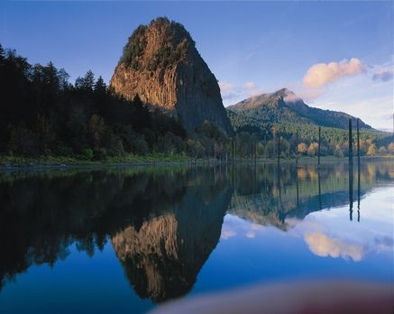 Beacon Rock, Columbia River Gorge, Washington