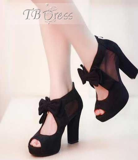 Chunky Heel Black Shoes