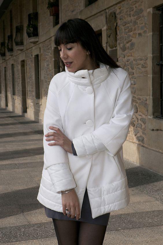 Abrigo blanco & Anillo nuevo