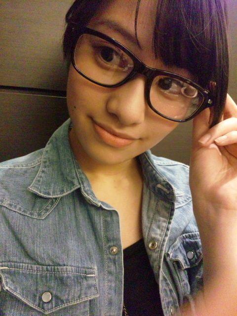 メガネスタイルの桜井玲香のかわいい画像。