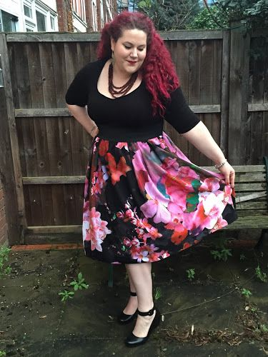 Modern Floral: Floral Prom Dress from Simply Be | Curves & Curls