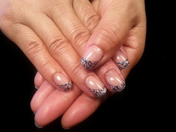 Organic Gel Nails our gel Crome glitter with a cheetah background