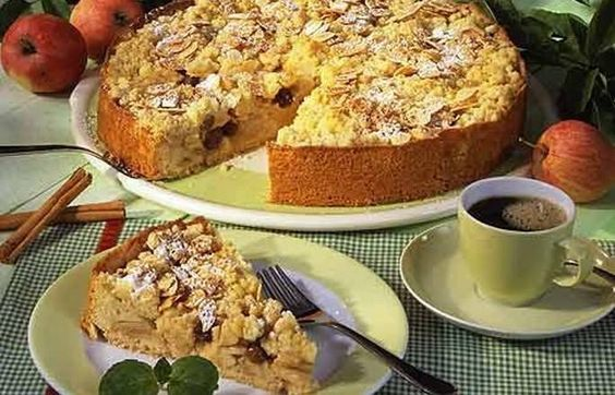 Apfel-Schmand-Kuchen - Jede Menge Kuchenreste oder eine große Party, für die vorgebacken werden muss: Manchmal kommt man nicht drum herum, Kuchen einzufrieren. Bei welchen Kuchen ist das kein Problem?