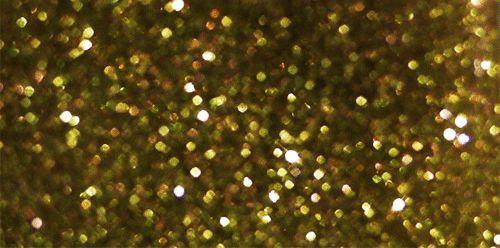 ゴールドでステキにスタッズ&パーツ&金箔ネイルはまだまだ根強い人気セルフネイラーさんにも