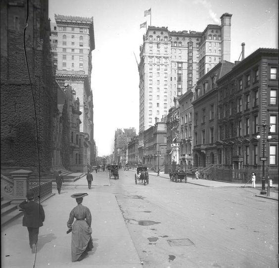 5th avenue toward 53th street, 1905