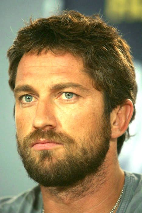 gerard butler 300 beard - photo #1