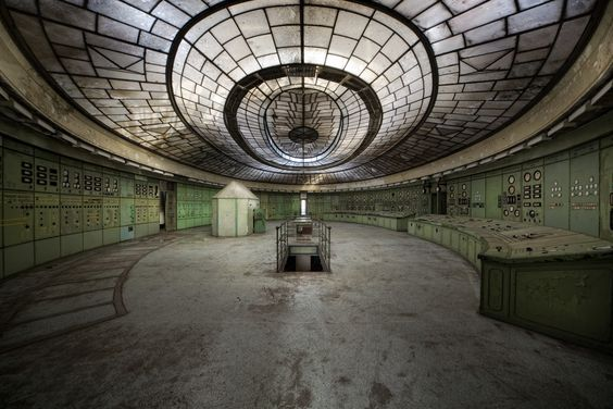 https://flic.kr/p/dWM4qm | power plant k | The amazing control room in an abandoned power plant. It was build between 1927 and 1929. The little house inside the control room is actually a bunker where the workers could hide during bombing raids. The power plant became the largest one in the country and the most modern in Central Europe before it was abandoned in 2006