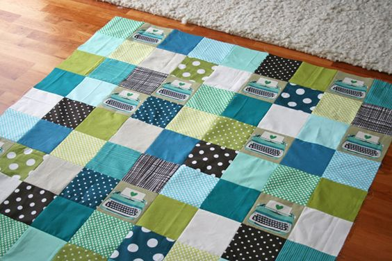 love the use of melody miller's typewriters fabric in this quilt!