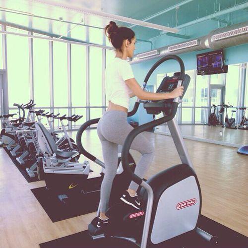 Zu den beliebtesten Tags für dieses Bild zählen: fitness, gym, fit, body und motivation