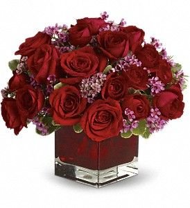 Westford Florist, Westford, MA Flowers, Centerpieces, Never Let Go by Teleflora: