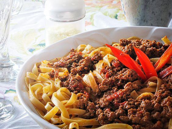 Fetuccini a bolonhesa de gorgonzola