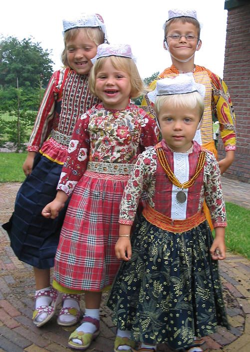 Two girls and two boys from Marken in costume #NoordHolland #Marken: