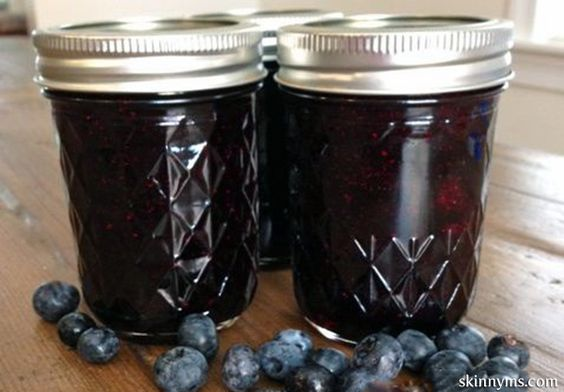"""Homemade Blueberry Jam - This """"no sugar added"""" recipe is super easy to prepare and no canning involved! #recipes"""