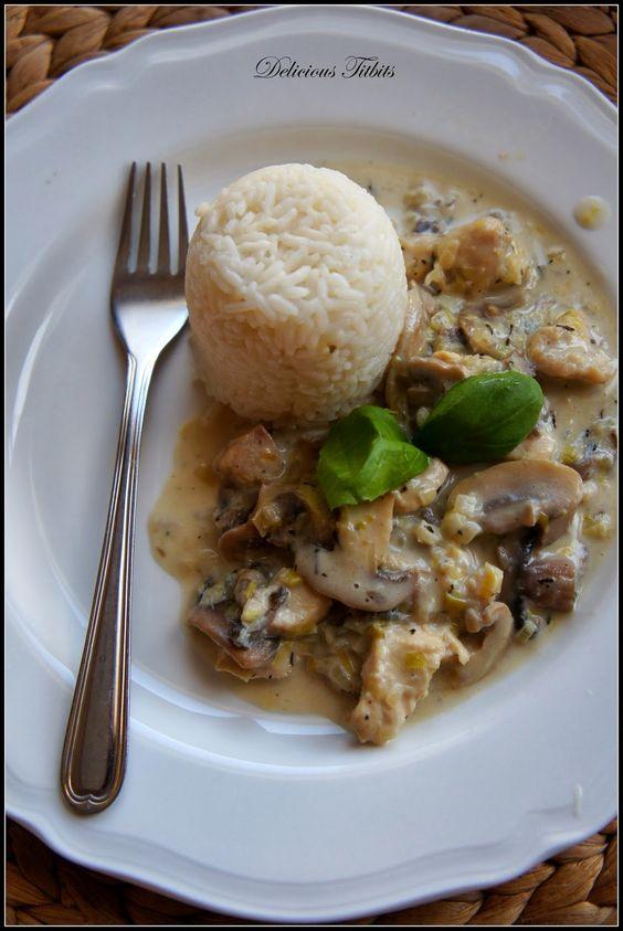 Delicious Titbits: Pierś z kurczaka z pieczarkami w sosie z mleczkiem kokosowym