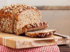 Brot gilt eher als Dickmacher. Und Eiweißbrot? Hilft angeblich beim Abnehmen. Wir haben Ernährungswissenschaftlerin Dagmar von Cramm gefragt, was dran ist.
