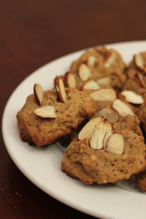 Mmm...Cookies! One of the most delicious snacks you might be able to think of. But cookies without sugar? That doesn't sound too tasty! Well with my Sugar Free Cookie Recipes, taste just as good as