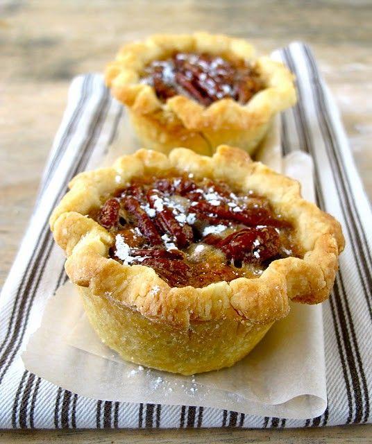 Petite Deep Dish Pecan Pies