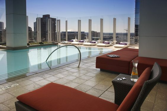 It's summer time and its time for some drink and sun. So where can you get both in Atlanta? Rooftop Bars!