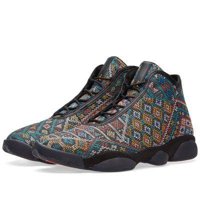 Nike Air Jordan Horizon Premium (Black & University Gold)
