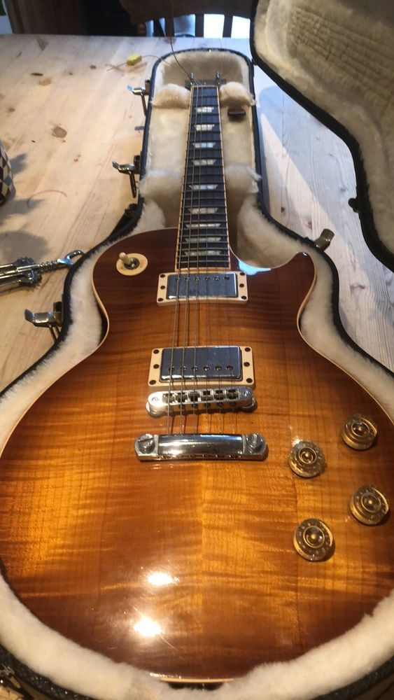 Gibson Les Paul Traditional Guitar In Good Condition Gibson Guitars Gibson Les Paul Guitar