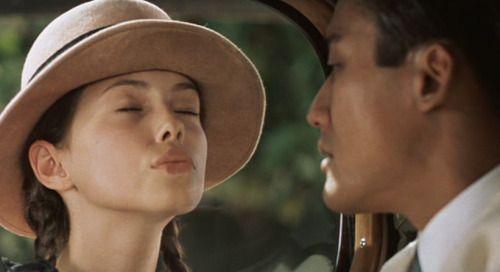 Les baisers célèbres au cinéma -  qui embrasse qui et dans quel film ?  - Page 8 B6eddeb23a6cd87785c54b98a7686031