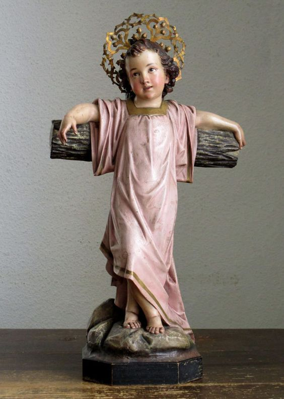 Etsy のYoung Jesus with Cross on the Rock Mountain Religious Statue Child Jesus Christ Antique Olot Spain /765(ショップ名:GliciniaANTIQUE)
