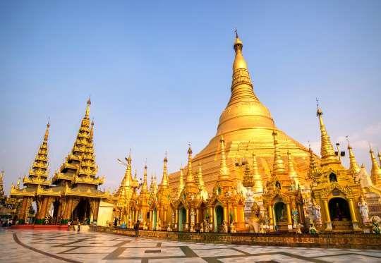 Rangum, Myanmar: É em Rangum que está localizado o centro de peregrinação mais importante de Myanmar... - Shutterstock