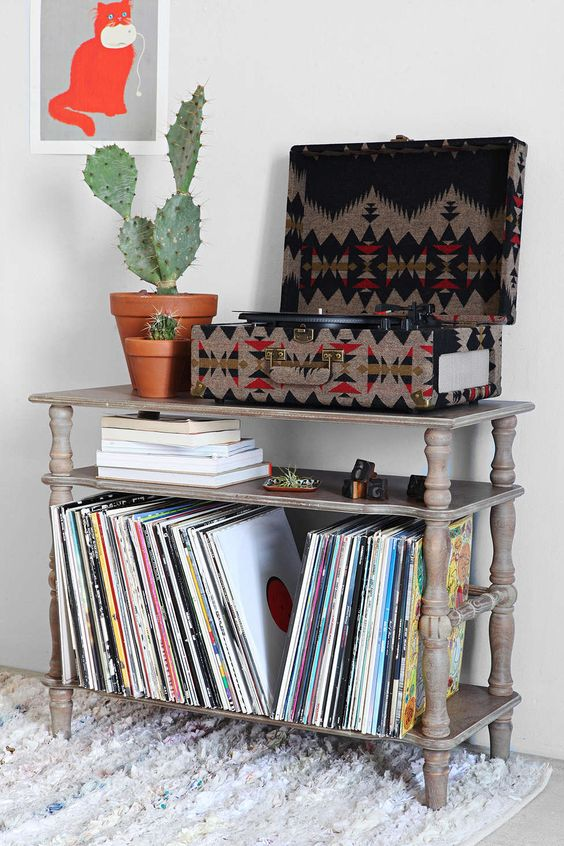 Love this table for the turntable & records!