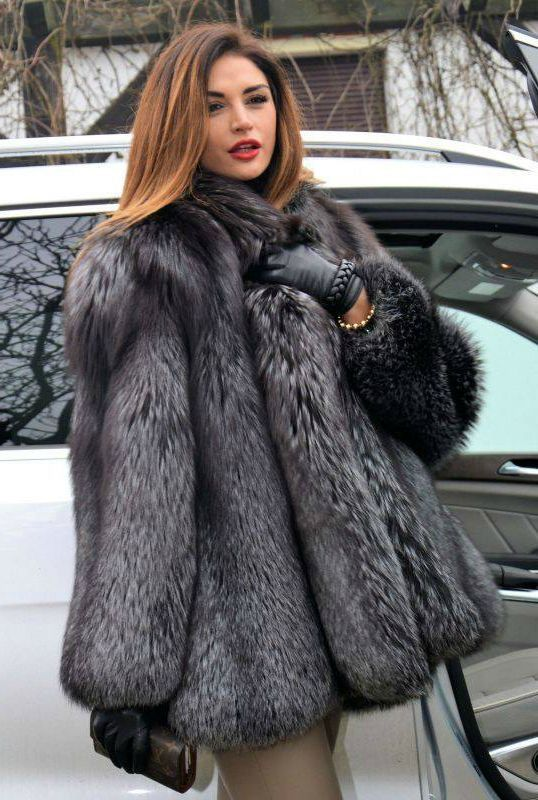 Silver fox stroller fur coat | Elegant women in furs | Pinterest ...
