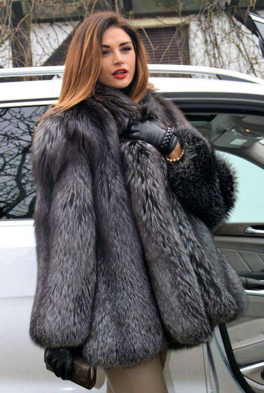 Silver fox stroller fur coat | Elegant women in furs | Pinterest