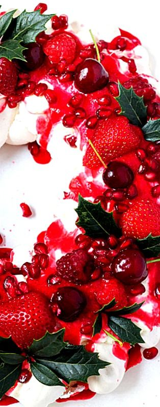 Berry Wreath Christmas Pavlova ❊ {I've always wanted to make a Pavlova! Love meringue!}