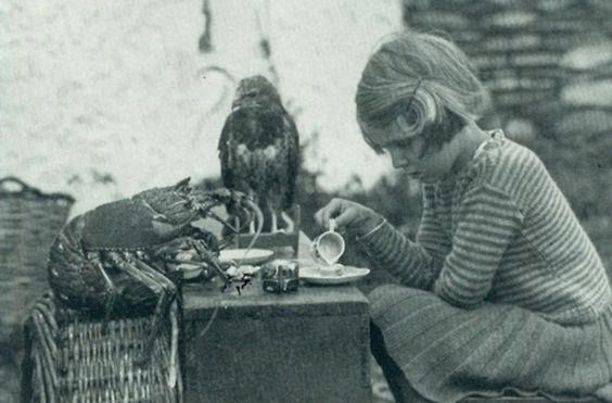 1938 National Geographic Photo. tea