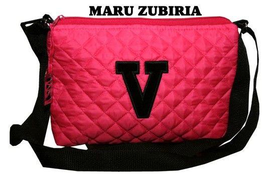 Esta bolsa es ideal para cuando te vas a un crucero, europa o de compras. Es muy practica y no pesa nada #maruzubiriadf #purse #bag #trip #eurotrip #shopping #pink