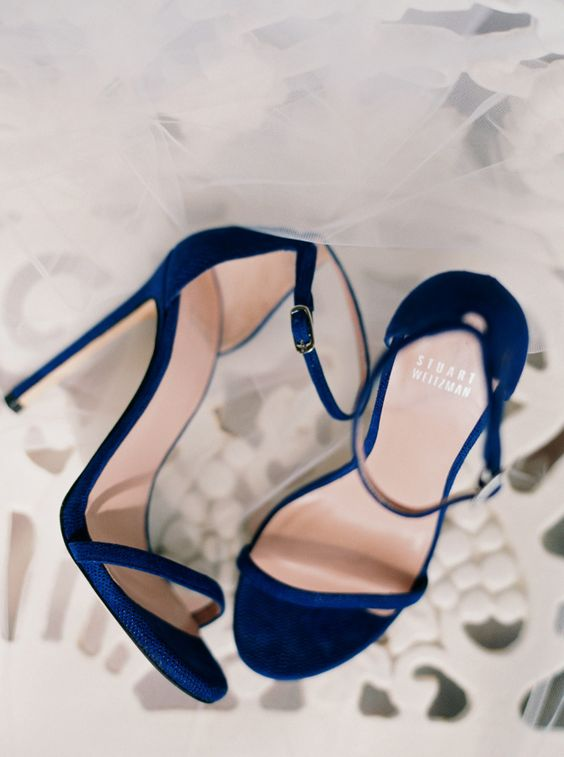 Navy blue Stuart Weitzman shoes: http://www.stylemepretty.com/2016/04/20/a-whirlwind-hometown-wedding-filled-with-heart/ | Photography: Annie Parish - http://annieparishphotography.com/