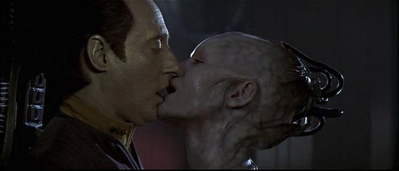 star_trek_data_kiss.jpg (852×368)