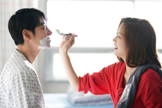 "Kim Dong Wook And Moon Ga Young Share An Affectionate Morning In ""Find Me In Your Memory"""