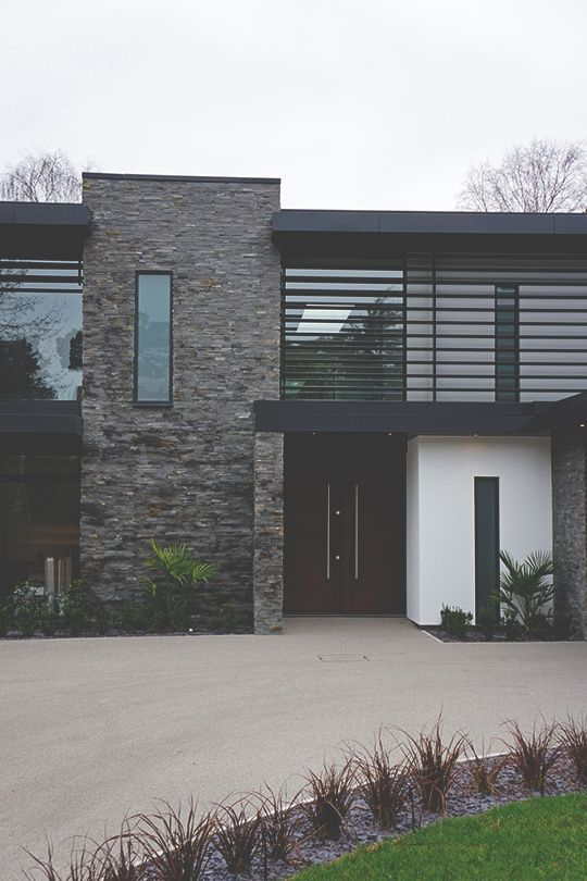 Stone cladding in a more natural arrangement