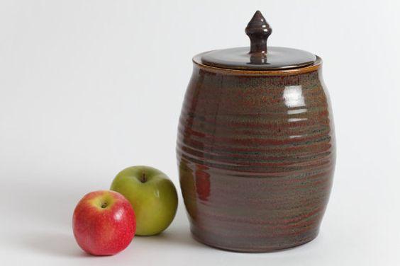 Ready to ship.Stoneware jar, pottery jar, ceramic jar, lidded jar, stoneware urn, pottery urn, ceramic urn, ceramics and pottery, home decor on Etsy, $75.00