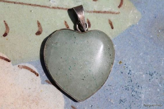 Vintage 1980s Mexican Taxco Sterling Silver Pale Green Jadeite Heart Shaped Pendant