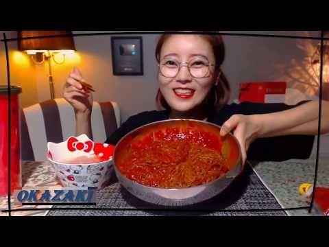 تحدي الاندومي الكوري 2x احر واخطر نودلز بالعالم معجون الفلفل الحار Youtube Food Chili Music Songs