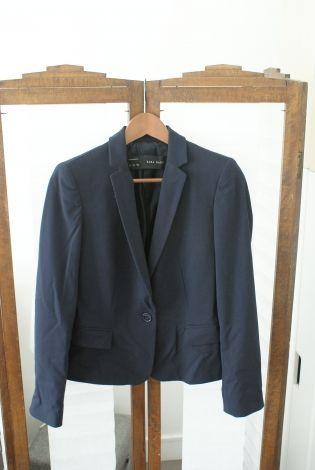 ZARA BASICS  Blazers, vestes tailleurs http://www.videdressing.com/blazers-vestes-tailleurs/zara-basics-/p-5058031.html?&utm_medium=social_network&utm_campaign=FR_femme_vetements_manteaux___vestes_5058031