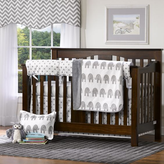 Enter to win a 4 piece bumperless crib bedding from @Liz and Roo: Fine Baby Bedding! #win #giveaway